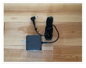 ASUS Chromebook C200 ACアダプター